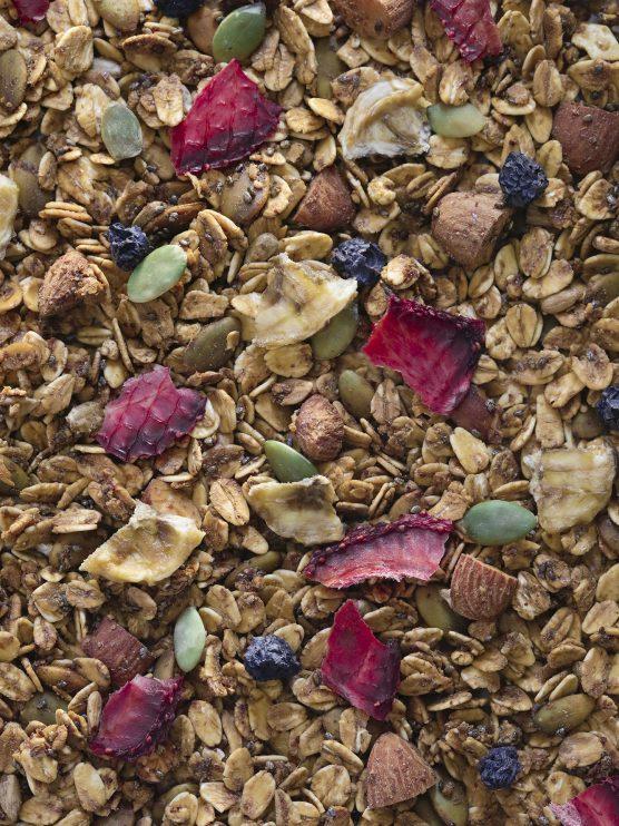 detalle granola berries y platano