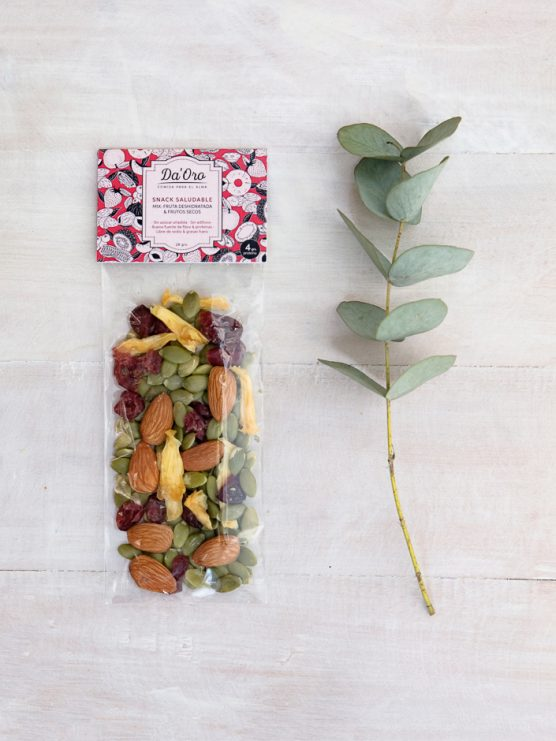 snack mix piña detox en envase compostable