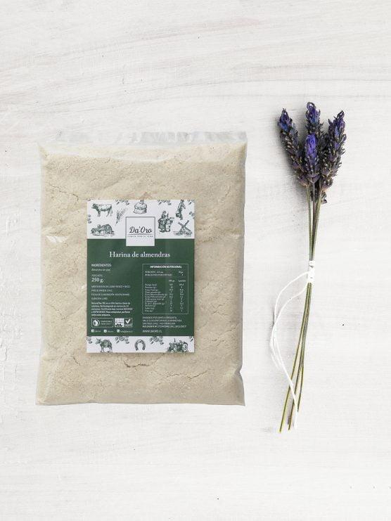 envase de harina de almendras 250 gramos